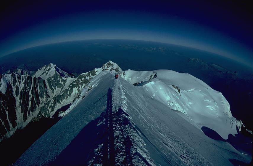 Mont Blanc peak, looking west., 71 kb