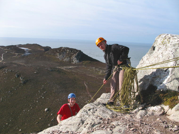 Craig & Jimbo on SPA assessment @ Holyhead Mountain - is the belay set up in line with the pull? ;o), 85 kb