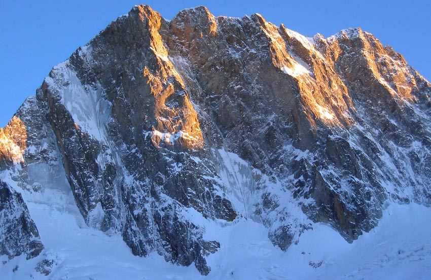 Field of dreams - N Face of Grande Jorasses, 117 kb