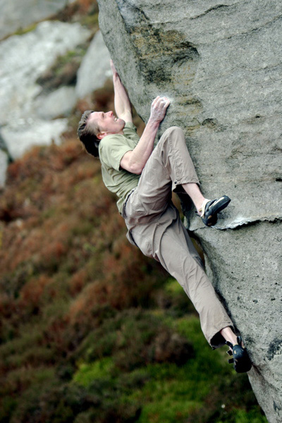 Andy Earl on the Magician 'super bloc' 8a at Ravensheugh Crag, 101 kb