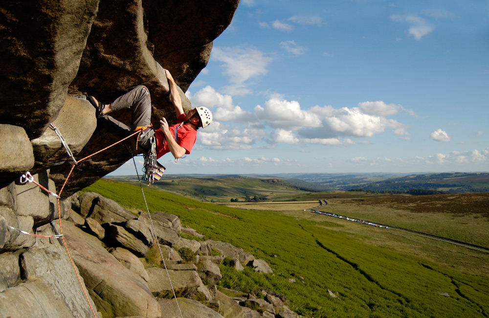Matt on Flying Buttress Direct (E1 5b), Stanage, 234 kb