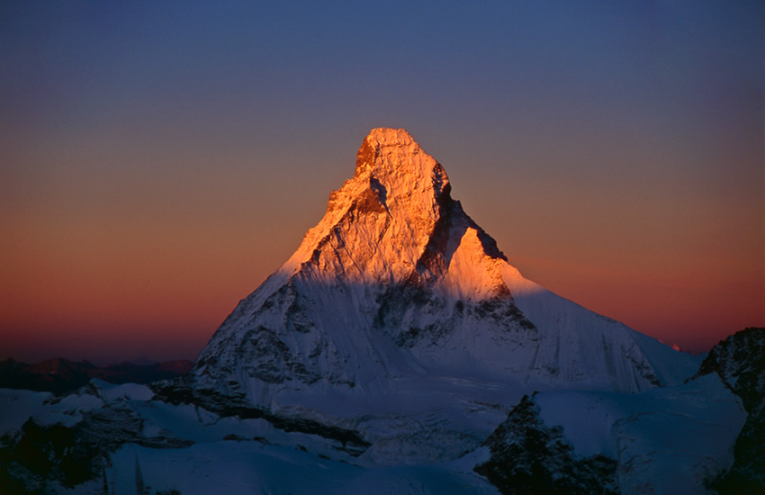 Sunrise over the Matterhorn North Face, 114 kb