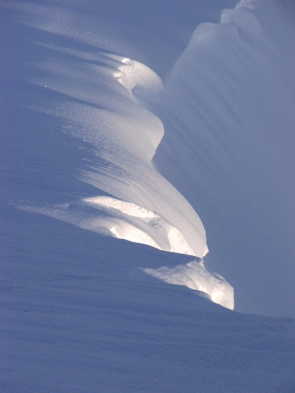 Cornice on A'Chralaig, 102 kb