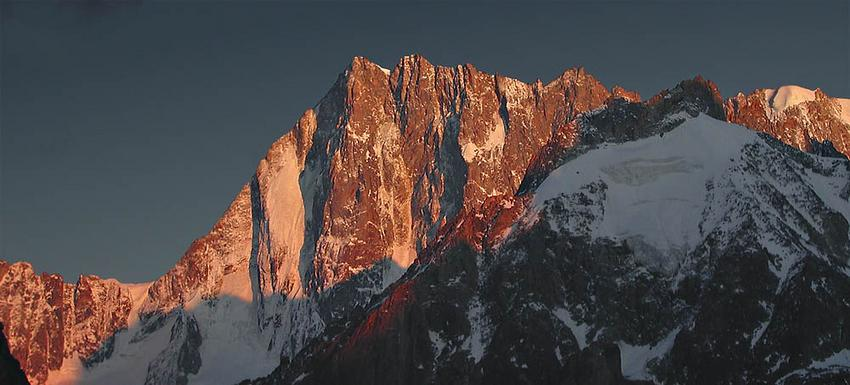 Setting sun on the Grandes Jorasses, 61 kb