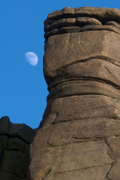 Eddy's Moon at Stanage, 95 kb