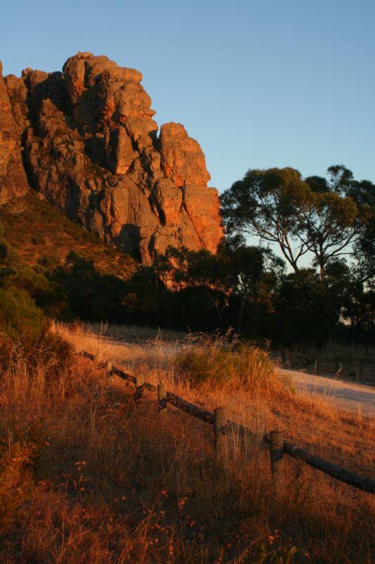 Bard Buttress, Mt Arapiles, Australia, 76 kb