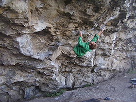 Neil Dyer on Silk Cut V14/8b Parisella's Cave, North Wales., 44 kb