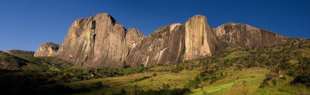 Tsaranoro Massif - Madagascar, 72 kb