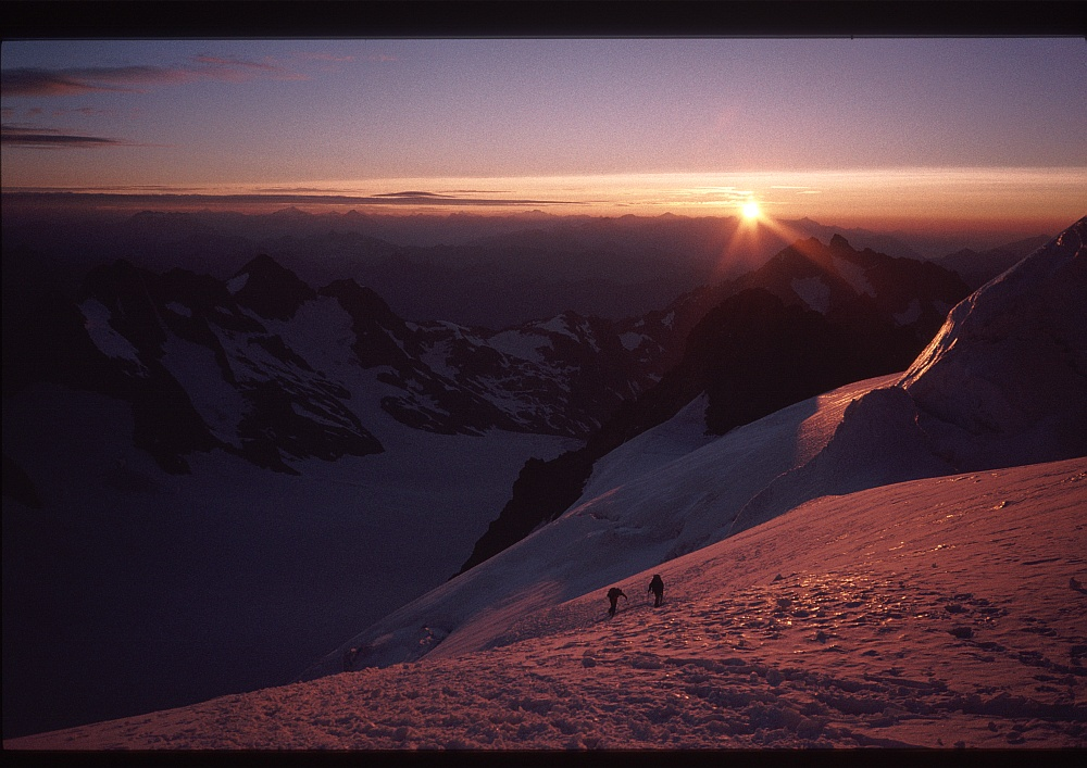 Dawn in the Ecrins, 250 kb