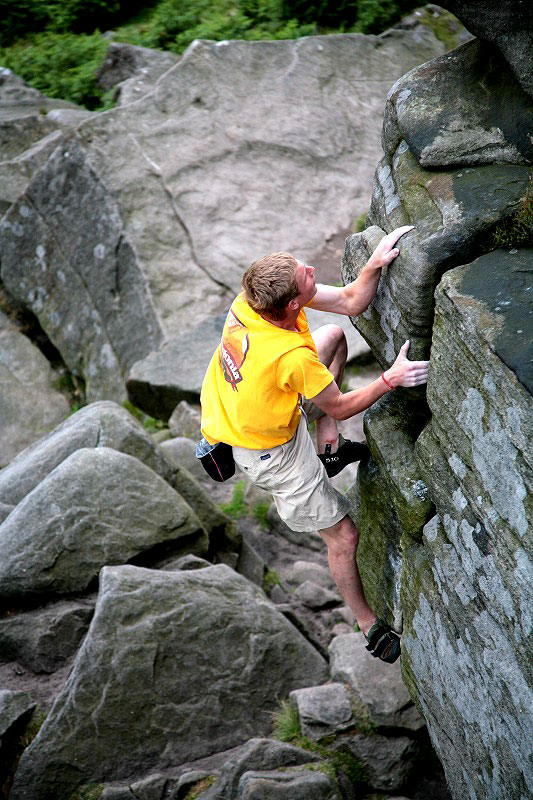 Route no.430 after 14 hrs of climbing: Pete Whittaker soloing Mantelpiece Buttress Direct (HVS 5b) at Stanage Popular, 142 kb