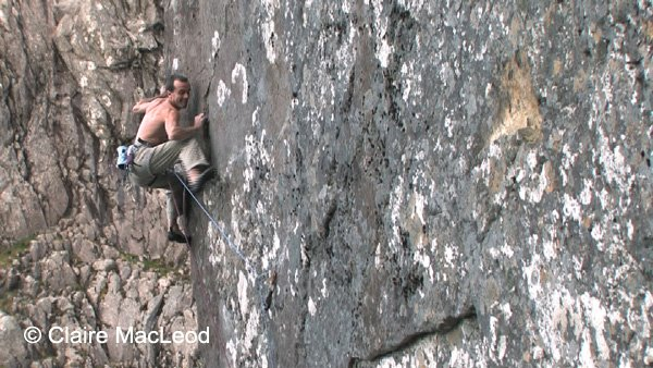 Dave MacLeod on the first ascent of Echo Wall, 76 kb