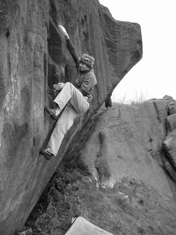 Dan Varian walks all over Welsh Rarebit/Waite Font 7c at Caley Roadside, 112 kb