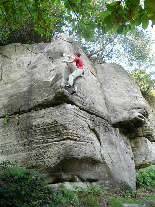 Pete Robins soloing Asterix Direct, 6a, Eridge Green Rocks, 148 kb