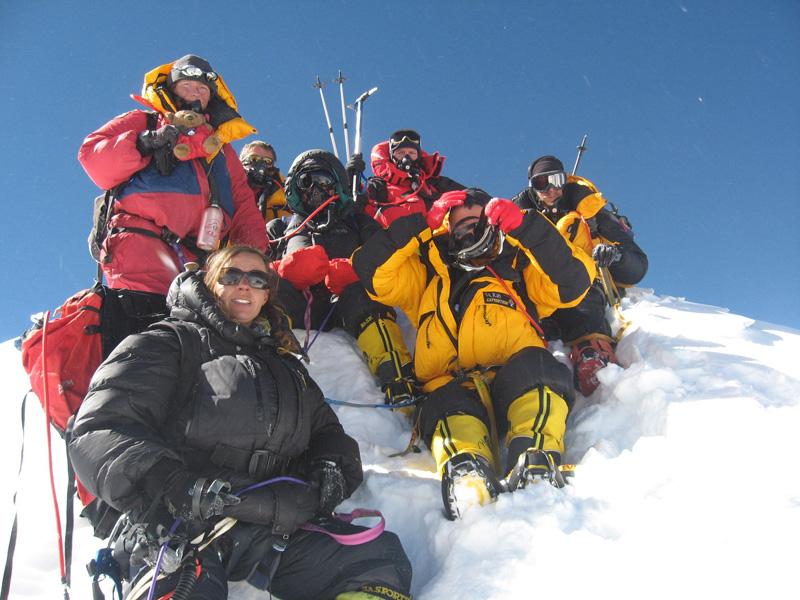 Adele  Pennington climbs Manaslu, 8,163m, 179 kb