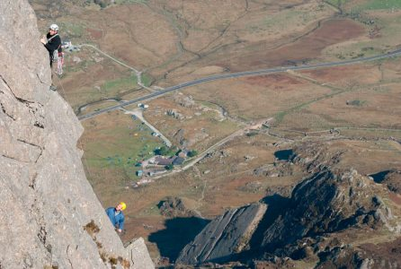 High above Little Tryfan on Pinnacle Rib Route. Climbers - Alex Eve and Mick Ryan, 4 kb