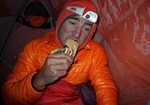 Ueli Steck breakfasting at over 6000m on his Annapurna Expedition, 4 kb