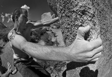 TimS, the man with the Big Hand. Pope's Prow V6.Buttermilk, Owens River Valley.