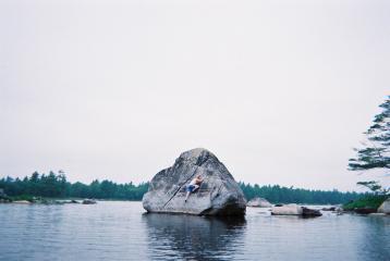 Shallow water bouldering in Nova Scotia