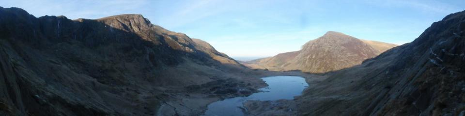 cwm idwal panoramic from top of Hope