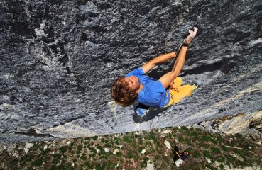 Pirmin Bertle climbing