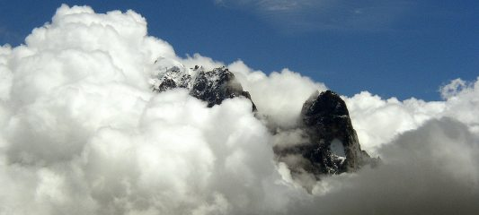 Aig. Verte and the Drus rising from the clouds
