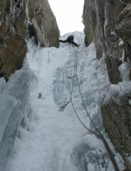 Crux ice on the Cosmiques Icefall
