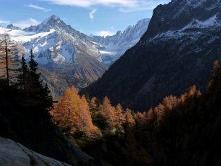 A beautiful October evening, descending from Vallorcine's hidden gem, the valley of Tré les Eaux.