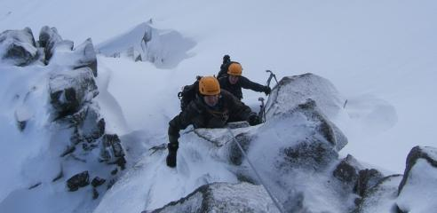 Winter Courses and Instruction, Courses, holidays, expeditions, accommodation Premier Post, 3 weeks @ GBP 35pw