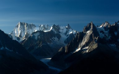 Morning light, Grandes Jorasses