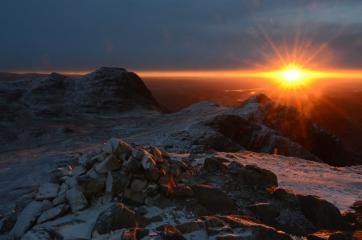 sunrise from Pike O Stickle