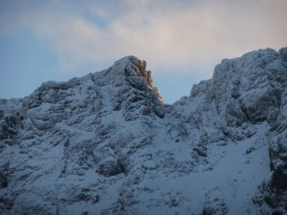 Sgurr MhicChoinnich catches the early morning sun.