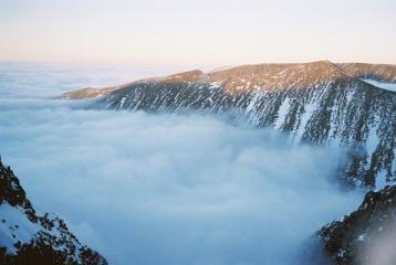 Carn Mor Dearg above an inversion.
