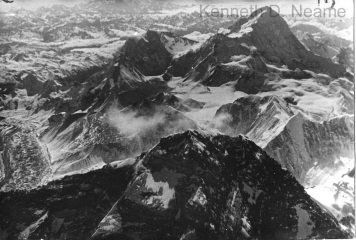 Everest (foreground), Chomo Lonzo and Makalu (background)