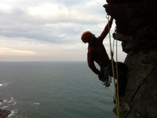 Getting ready to go through the roof of 2nd pitch on Death Cap