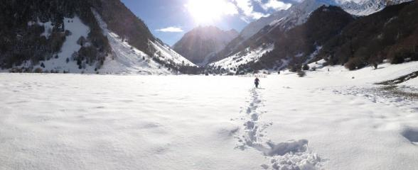 Snow shoeing in Lac d'Estang, Pyrenees