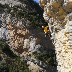 It's a cracker! sports climbing at Vilanova de Meia sector Cupula
