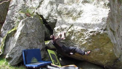 Bouldering on Achray Bloc