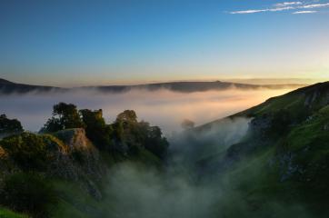 Cave Dale and Peveril Castle, Castleton, Peak District