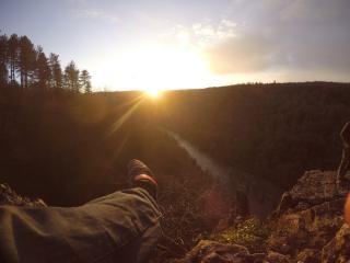 Sunset on the pinnacle at Symonds yat
