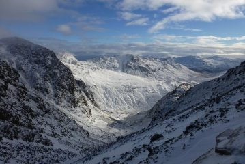 Looking down Little Narrowcove to Crinkle Crags