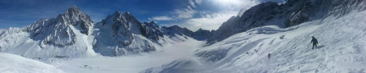 Skiing down to the Argentiere glacier