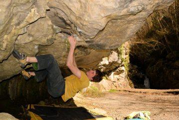 Bouldering at Dinas Rock
