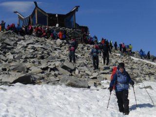 A quiet day (!) on Norway's highest peak
