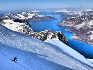 Skiing on Store Hollendaren