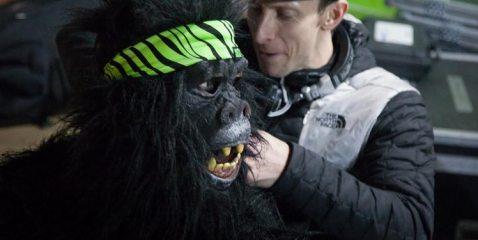DJ Gus Hudgins de-lousing The Climbing Works� very own gorilla - Sam Whittaker, 47 kb