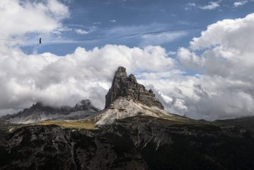Jediah Doohan from the UK successfully walking the full 209m highline in front of the Tre Cime , 128 kb