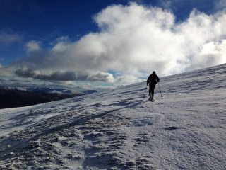 Skinning to the summit of raise