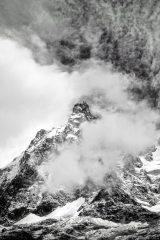 Clouds wrap the Aiguille du Midi, 98 kb