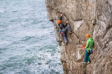 Dave Searle making a more photogenic start to the first pitch on Gogarth, 190 kb
