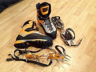 Premier Post: FOR SALE Winter Boots & Crampons Scarpa B3